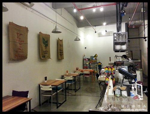 CAFFEine @ SetiaWalk, Puchong : Simple and yet cosy decor