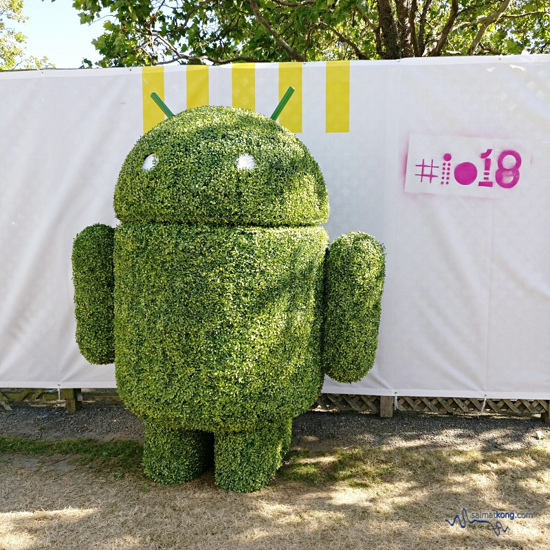 Google IO 2018 - Google Android Lawn Statues is a nice place to take photos with a series of large foam statues.